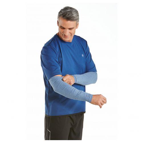 Coolibar---UV-Armstulpen-für-Herren---Vintageblau