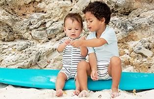 Lässig UV-Schwimmkleidung für Jungen und Mädchen