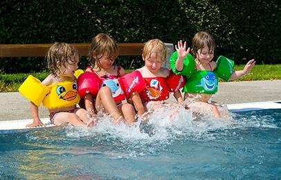 Puddle Jumpers Schwimmhilfen für Jungen und Mädchen